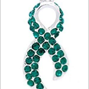 Fan Star Green Ribbon Crystal Necklace